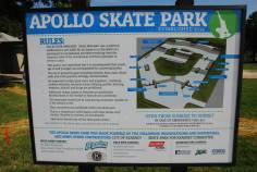 Apollo_sign